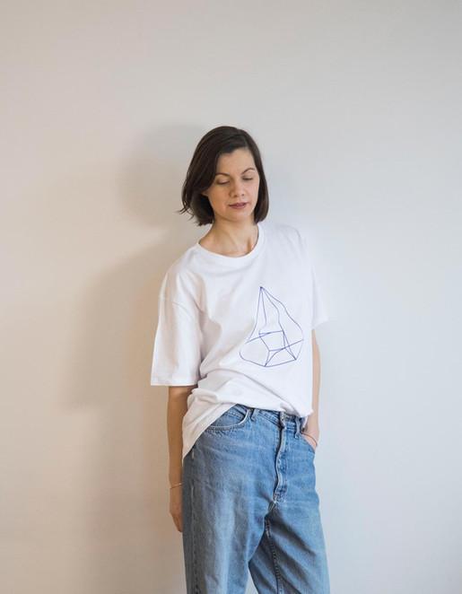 white_blue_myself_tshirt_emilie_1.jpg