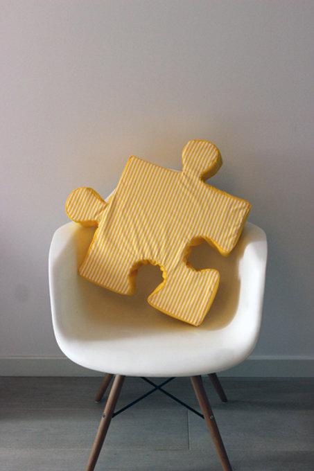 Poduchopuzzle żółty paski