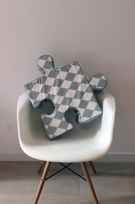 Poduchopuzzle szary romby