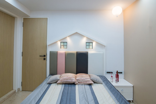 Twin Kid's Room