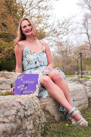 Olivia%20Grad%20photo-9_edited.jpg