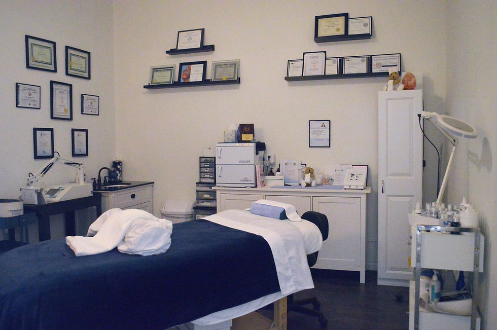 Treatment room 2.jpg