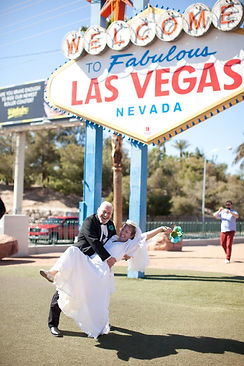 Las-Vegas-Nevada-Sign-Couple-Married-by-