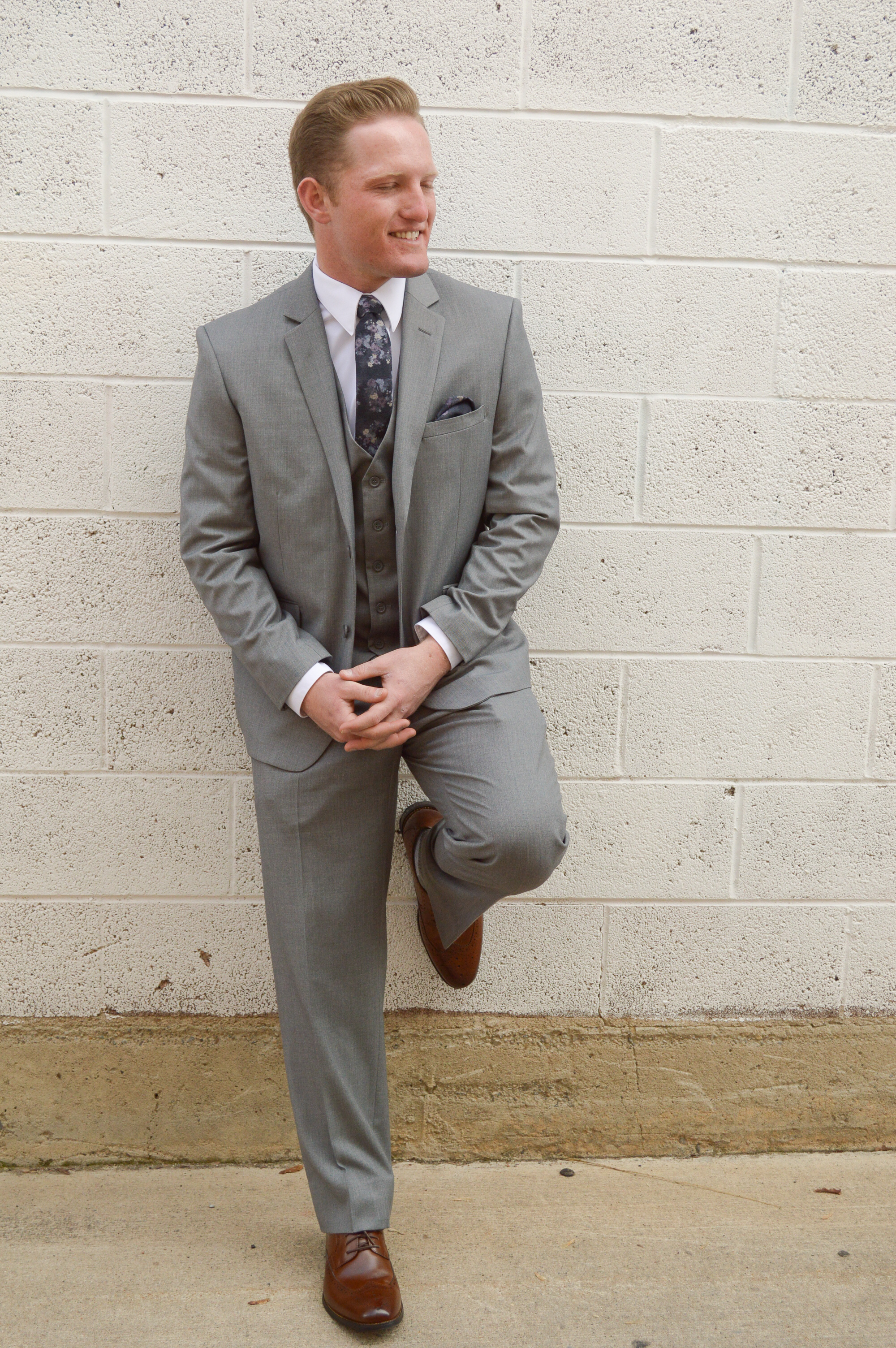 Men's Gray Slim Suit