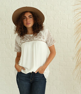Embroidered Top in White with Cognac