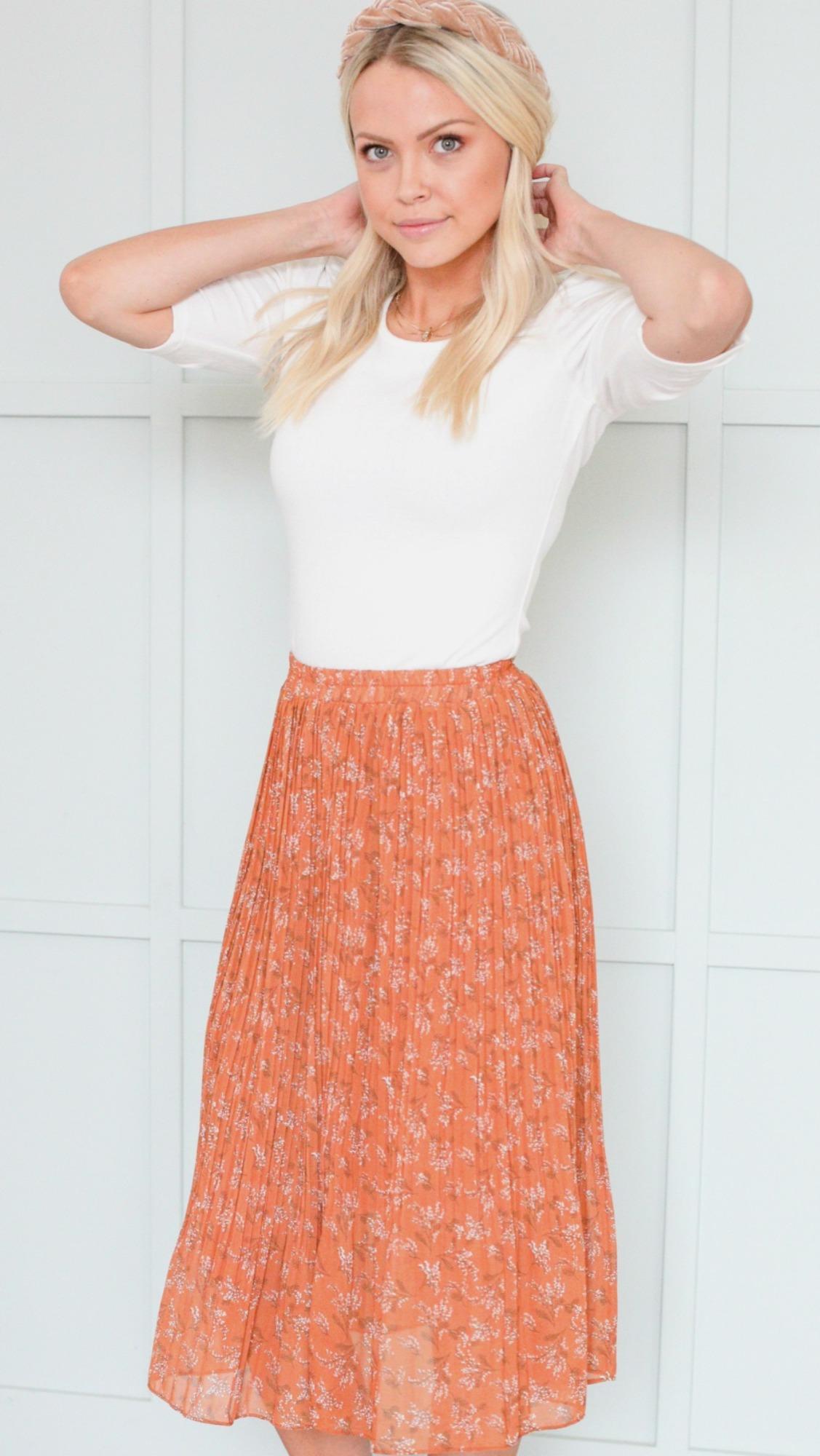 Pleated Skirt-Cognac Field Floral
