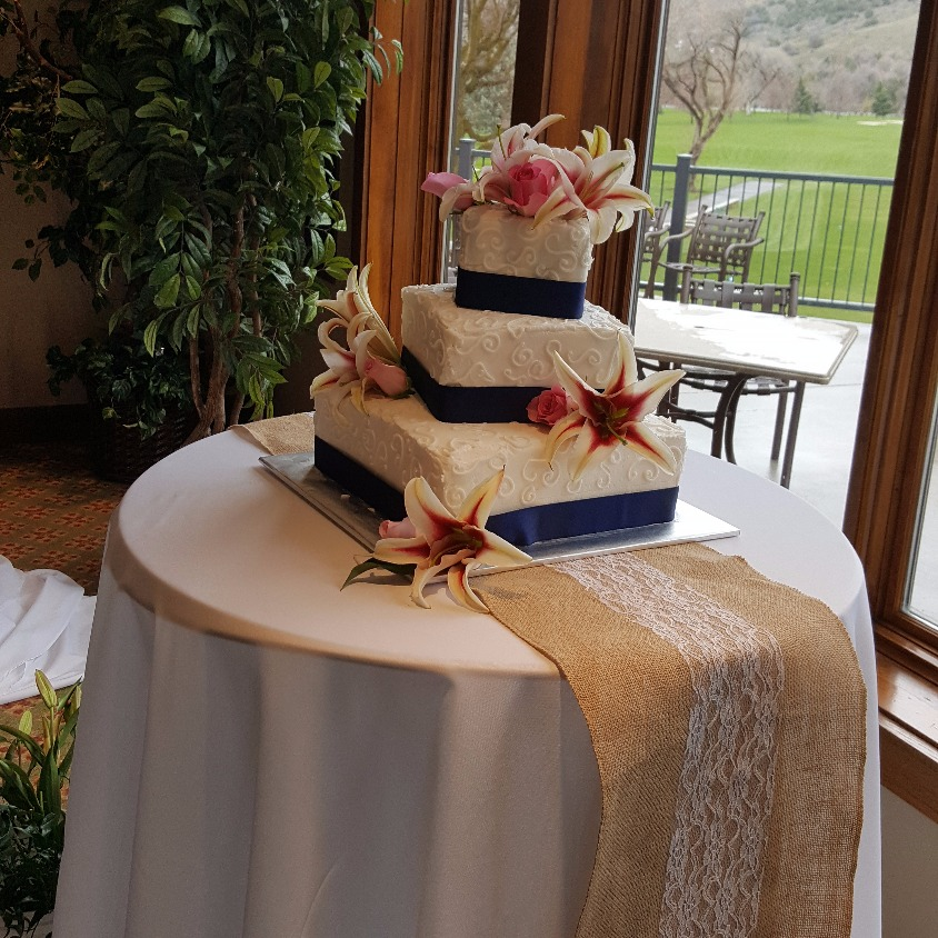A Cake Backdrop to match your decor.
