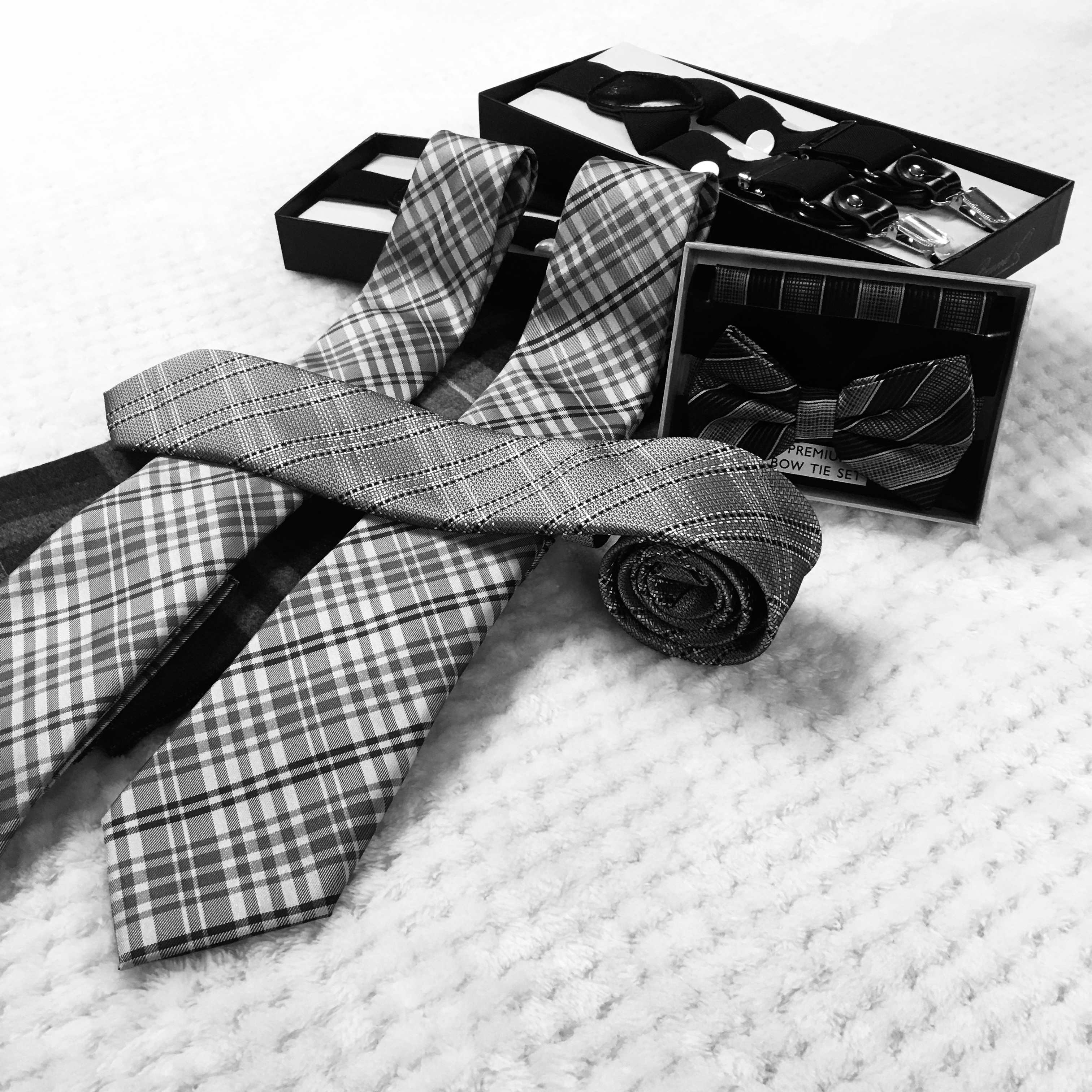 Men's Ties & Accessories