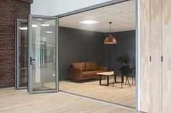 porte repliable aluminium TY ALU showroom ouverte