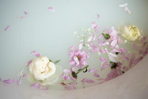 Royal Egyptian Rose: Milk & Oat Bath