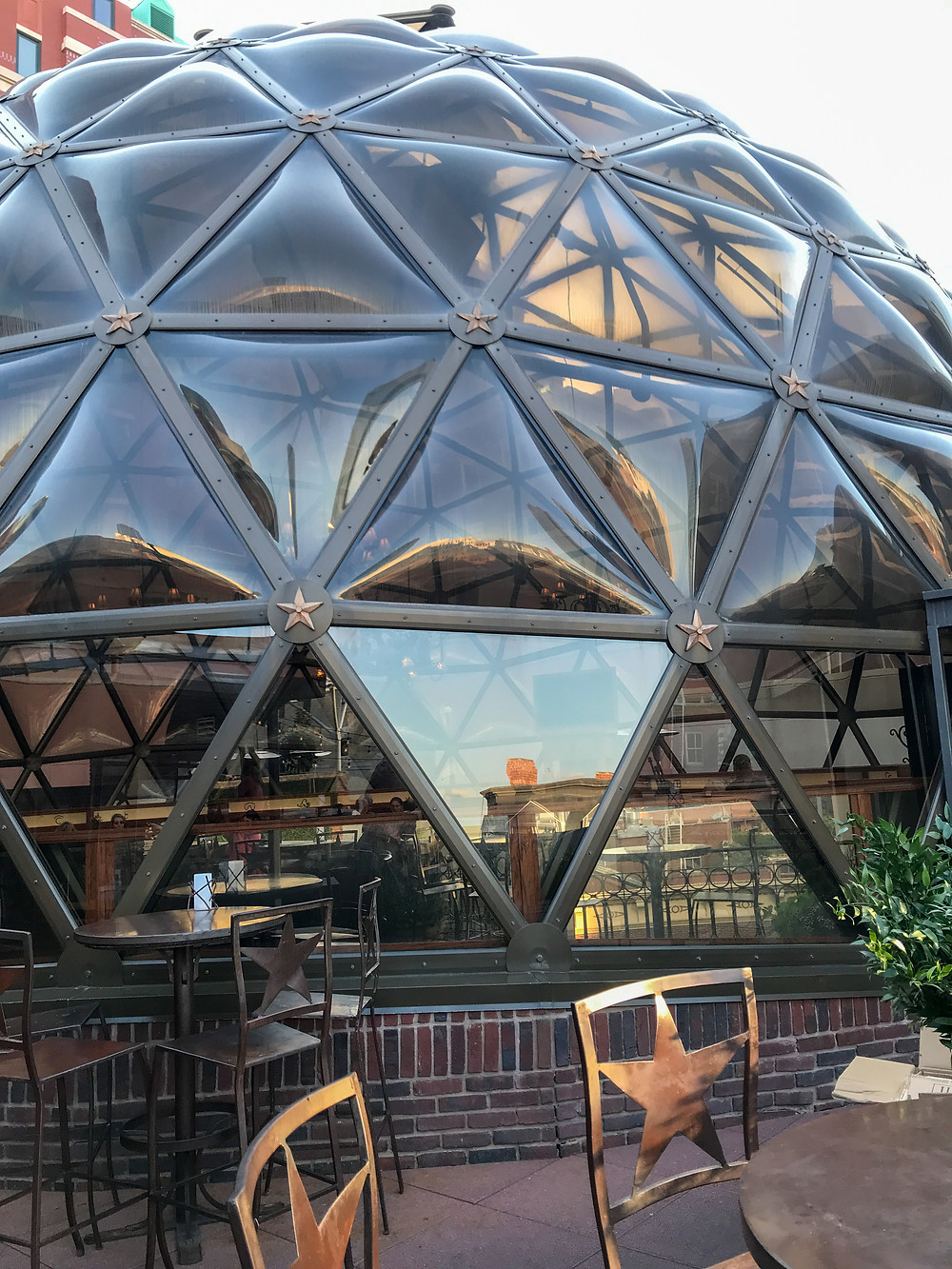 Jazz guitar in the geodesic dome