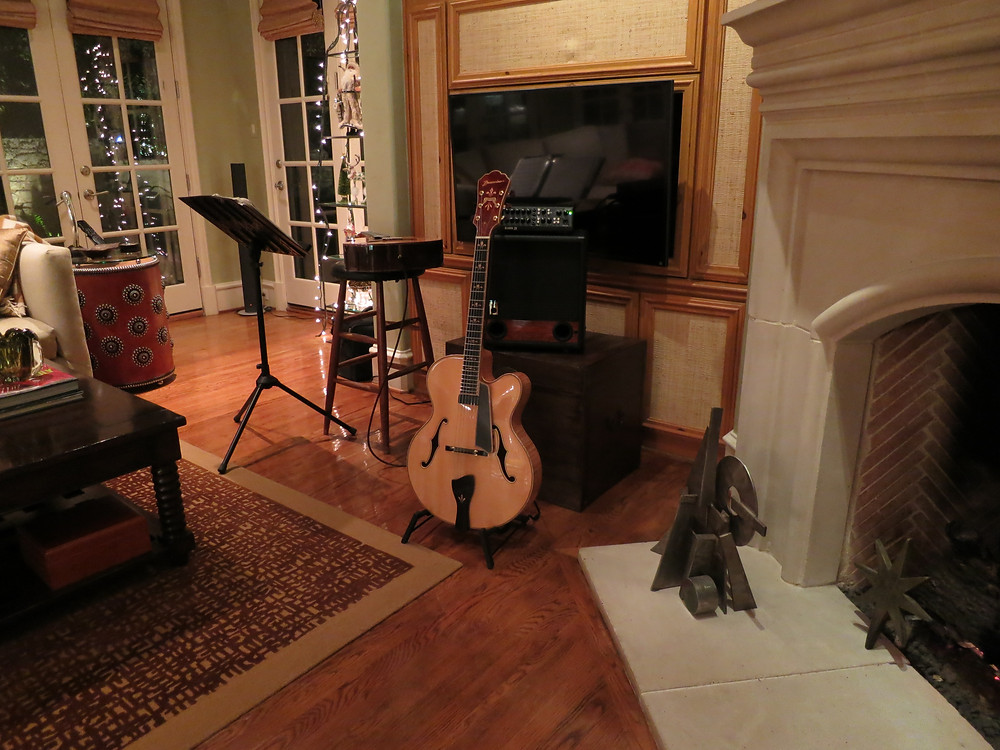 Guitar music for house dinner party
