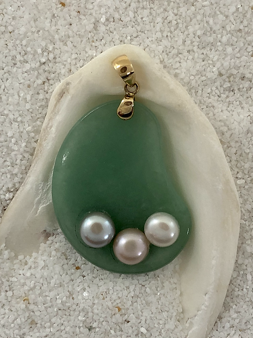 Jade & Pearl pendant