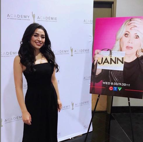 Alexa Steele posing for the JANN premiere