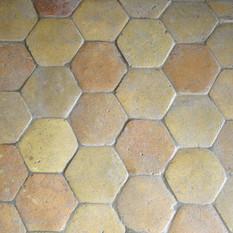 6″ Yellow hexagonal reclaimed French Terracotta