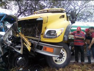 Grave accidente en una vía de Casanare dejó 2 muertos y 17 heridos
