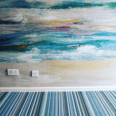 Coast Themed Mural Wall and Striped Wool Carpet