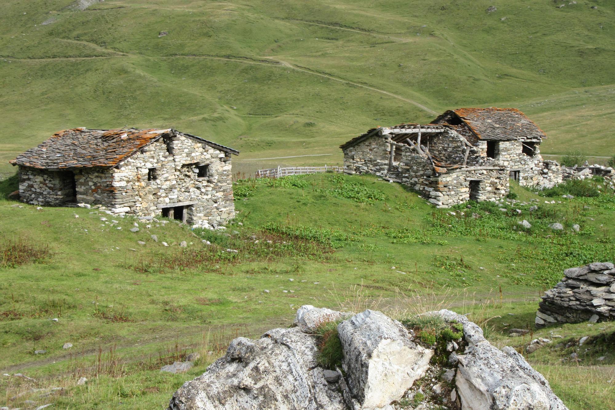 Ruines dans le Vallon du Clou