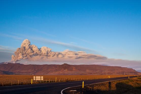 Vulkanutbrott / Vulcano eruption