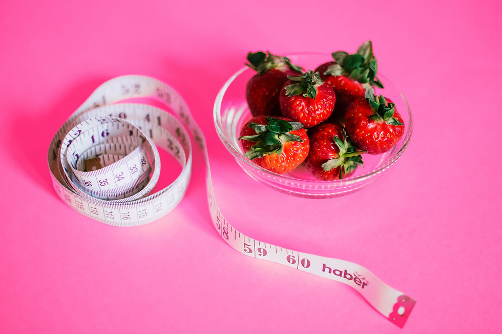 strawberries-and-measuring-tape-1172019.