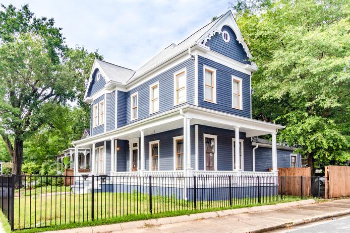 The Rose Hill Grand Victorian—Ritzy & Historic