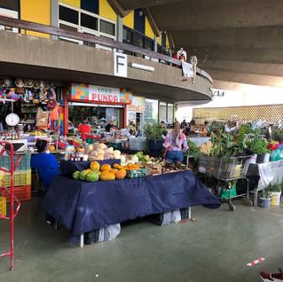 Blick in die runde Markthalle von Pietermaai