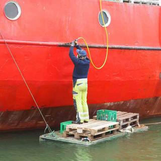 Die Arbeit geht bei diesem Schiff nie aus...
