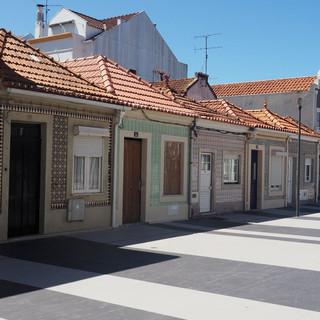Sozialer Wohnungsbau aus den 1920er Jahren. Erbaut von einem in Brasilien reich gewordenen Heimkehrer. Nach 20 Jahren Miete wurde das Häuschen zu Eigentum.