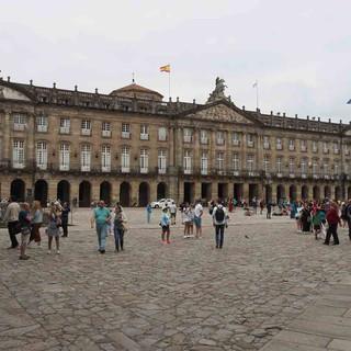 Der Praza do Obradoiro, der Hauptplatz der Altstadt von Santiago de Compostela.