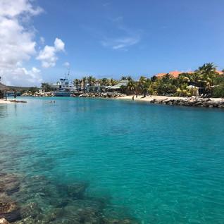 Karibik-Urlaub mit Sandstrand, Palmen, Sonne und...