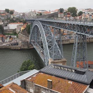 Die zweistöckige Stahlbrücke Dom Luis I wurde von einem Schüler von Gustave Eiffel konstruiert.