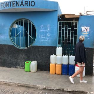 Trinkwasserversorgung für Haushalte ohne fliessend Wasser.