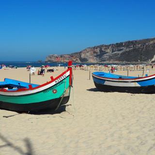 ... und mit historischen Fischerbooten