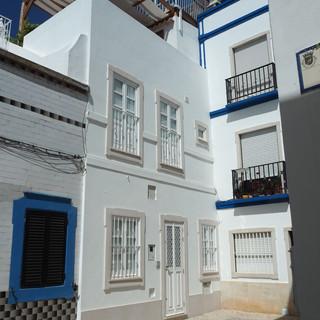 Typische Häuser in Olhao, jede Generation erhält einen neuen Stock.