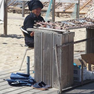 ... von Fischerfrauen zum Kauf angeboten ...