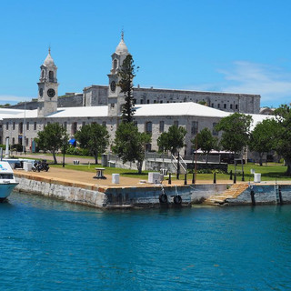 Die grosse Mall im Royal Naval Dockyard