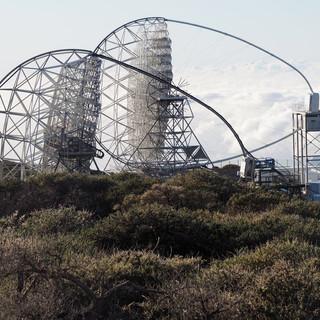 ... thronen die Teleskope des Observatorio Astrofisico