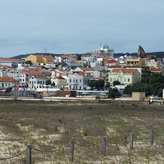 Blick auf das ehemalige Fischerdorf Buarcos am Nordende der Figuera-da-Foz-Sandbucht