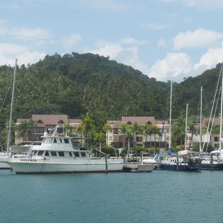 Die WoC im sicheren Hafen Puerto Bahia bei Samana.
