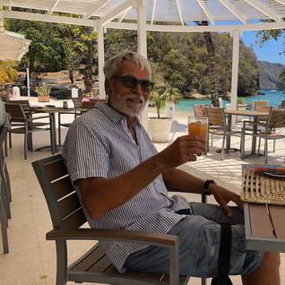 Apéro zum BBQ - so hat sich Jörg die Karibik vorgestellt, endlich andekommen!