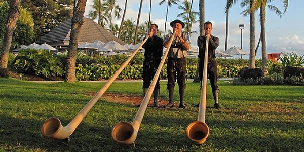 Alphorns_Hawaii.jpg