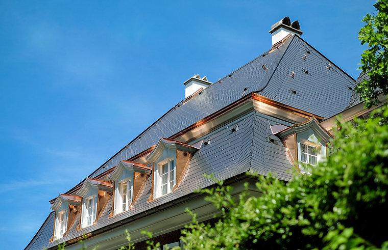 roof-1408338_1920.jpg