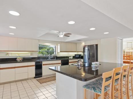 Modern Kitchen in Marathon House