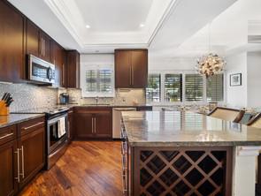 Kitchen with Island.jpg