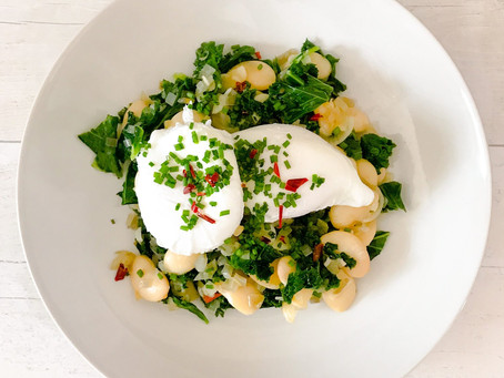 KALE, BUTTER BEANS & POACHED EGG