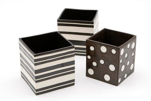 Porta-lápis quadrado em cerâmica