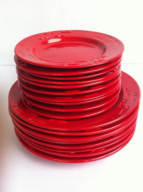 Prato (raso e sobremesa) vermelho em cerâmica