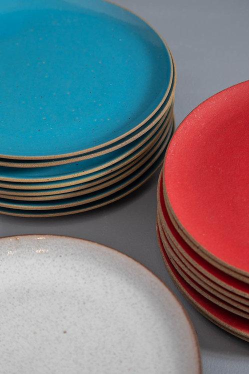Prato em cerâmica colorido