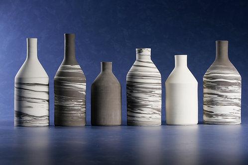Conjunto de 6 garrafas mesclados em porcelana