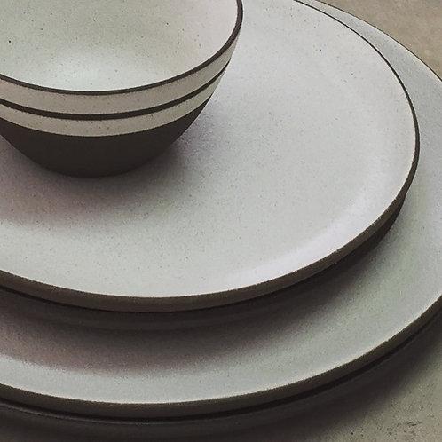 Pratos refeição e sobremesa em argila importada
